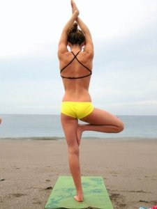 Yoga-on-The-Beach-3